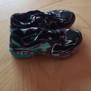 BROOKS RAVENNE RUNNING SHOES  sneakers SIZE 8